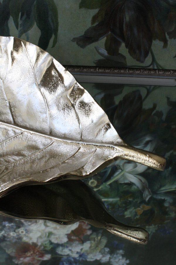 Metalen blad schaal goud kleur met nervatuur