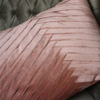 Fluwelen Poeder Roze Kussen met Visgraat Motief